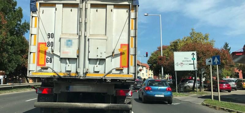 Autósok vs. bicilkisek – Szentendrén már pattanásig feszült a helyzet