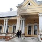 Gyertyafényes luxuskoncertek a magyar kastélyban