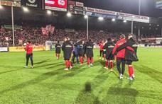 Balhé a Bundesligában: szinte felöklelte az edzőt a frankfurti játékos
