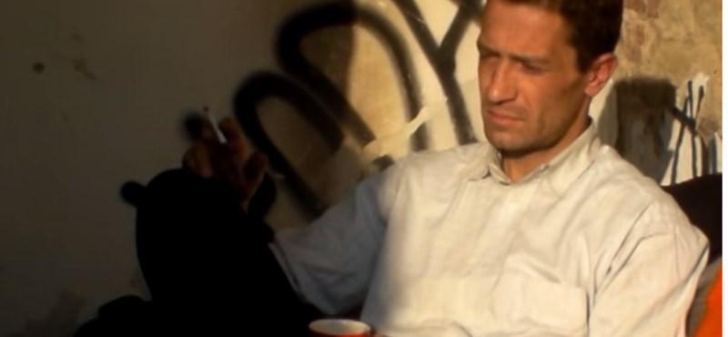 Videó: Portréfilm készült a combinós gyilkossággal gyanúsított férfiről