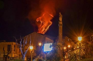 Egyre hevesebbek az Etna kitörései – videó