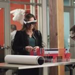 Szemüveget a dolgozónak! Mindenkinek jobb lesz, ha a munkás, VR-t vagy AR-t tesz a fejére