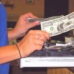 Pénzbüntetést kapnak az eladók, ha nem iratkoznak be tanfolyamokra?