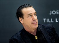 Negatív lett a Rammstein énekesének koronavírustesztje
