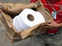 Fegyveres rablók vittek el Hongkongban hatszáz guriga vécépapírt
