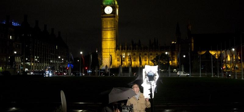Londoniak százezrei keltek az Uber védelmére