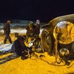 Fotó: Három űrhajóssal ért földet a Szojuz leszállókabinja