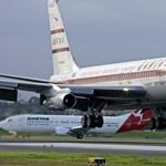 Travolta múzeumnak adja szeretett Boeing 707-esét