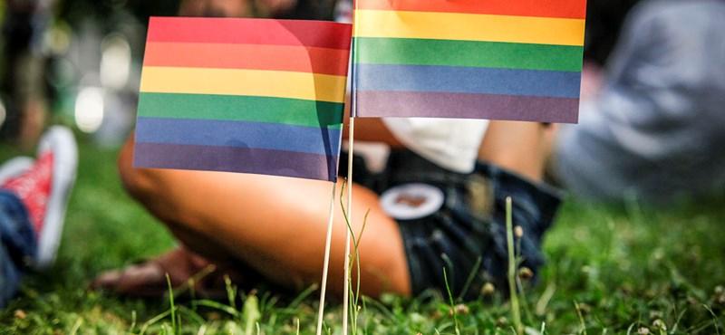 """""""Kinek kell szólni, hogy bajban van ez a társadalom?"""" - gyújtó hangú beszéddel nyitották meg a Pride-ot"""