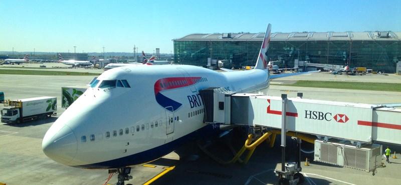 Amit csak kevesen tudnak: miért mindig bal oldalon szállunk be a repülőbe?
