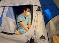 A garázsban sátrazik egy kaliforniai orvos, hogy megvédje a családját