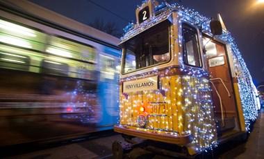 Elindult a fényvillamos Budapesten