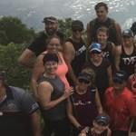 Negyven ember vitt fel egy szklerózis multiplexes nőt a hegyre, hogy teljesítsék régi vágyát