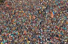 Több mint félmillió tüntető vonult utcára Barcelonában