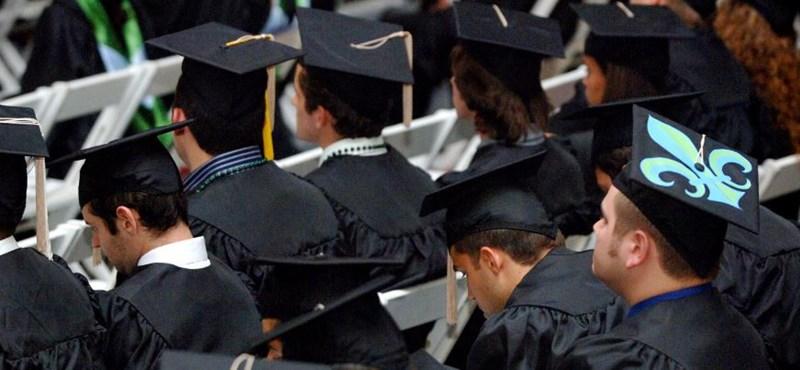 Tíz dolog, ami minden diplomaosztón megtörténik