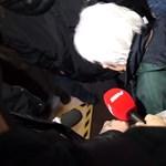 Videó: Tumultus van a választási irodánál a vasárnapi boltzár miatt