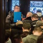 Átlátszó: Felülről állíthatták le a kopaszok elleni nyomozást