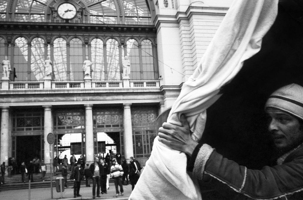 Fényírók városa - kiállítás 2014. Szellemkép