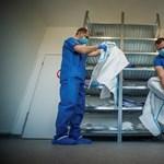 Mától ötödével emelkedik az egészségügyi szakdolgozók bére