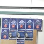 Soros-plakátokkal tapétáztak ki egy ferencvárosi gimnáziumot