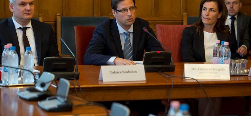 Gulyás Gergely szerint az EU sírásói a Sargentini-jelentés készítői