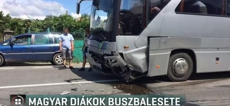 Balesetezett egy kiskunhalasi osztály kiránduló busza Romániában