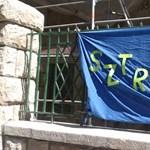 Az EP-választásig nem sztrájkolnak a közszolgák