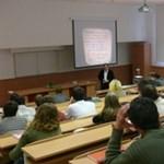 Prímszámokról és informatikáról az EKF-en