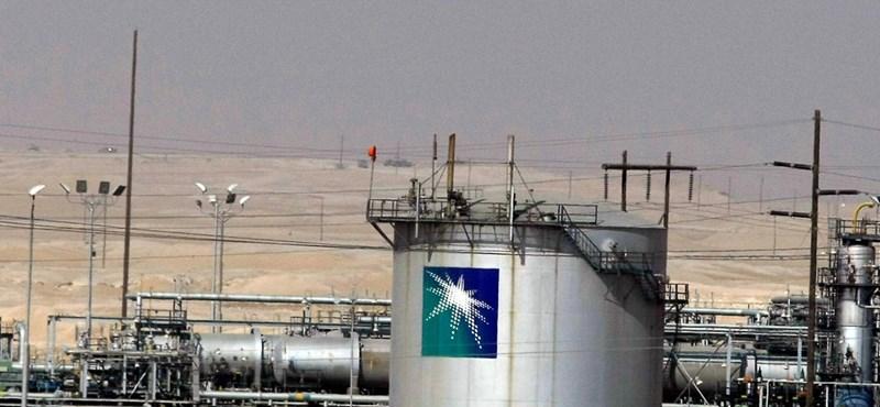 Nagy a baj Szaúd-Arábiában: piacra dobják az olajipari koronaékszert is