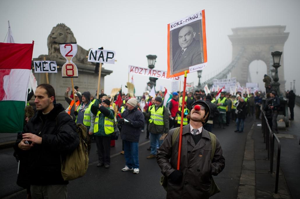 HVG.hu nagyítás tüntetések szombaton liga tüntetés szakszervezeti demonstráció pedagógus tüntetés