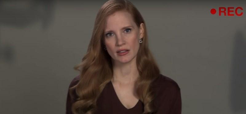 Hollywood szexista meghallgatás-kultúrájáról készített paródiát Jimmy Fallon és Jessica Chastain - videó