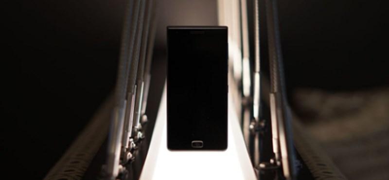 Ezen most épp nincs billentyűzet: újabb BlackBerry-telefon érkezett