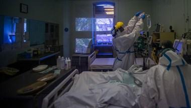 Koronavírus: kétezer felett az új fertőzöttek száma és meghalt 46 beteg