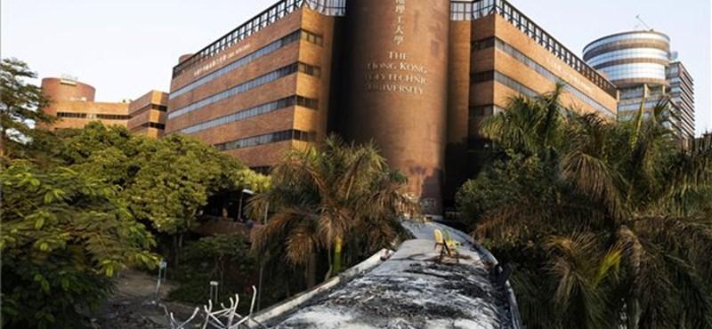 Már majdnem az összes tüntető elhagyta a Hongkongi Műszaki Egyetemet