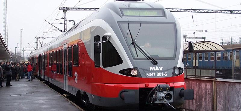 Több ezer forintot spórolhattok egy ügyesen megvásárolt vasúti bérlettel