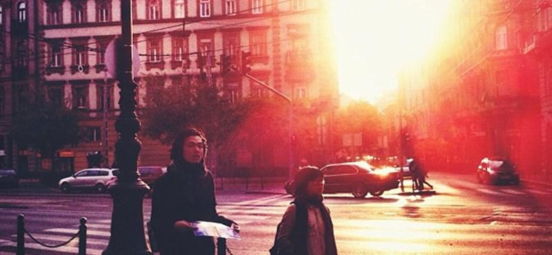 Budapest utcafotó: vénasszonyok nyarának utolsó szikrái