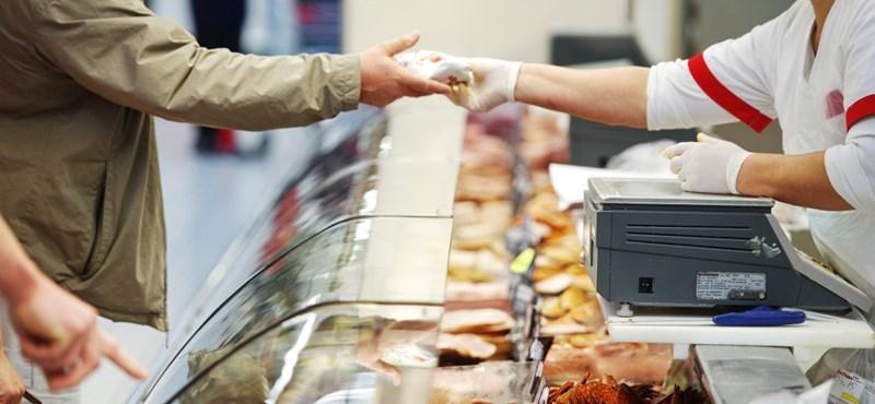 Kinyiffantja a boltokat a munkaerőhiány