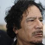 A NATO Kadhafi rezidenciáját támadja