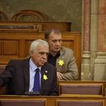 Törvényt módosít a Fidesz a zsidózó Gyöngyösi miatt