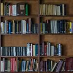 Egy könyvtáros több ezer könyvet mentett meg csalással a pusztulástól