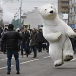 Putyinék nem engednek a tüntetőknek