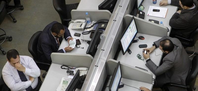 Felfüggesztették a kereskedést az egyiptomi értéktőzsdén