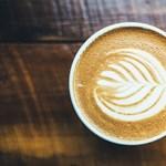 Közeleg a kávé világnapja: holnap újra verssel fizethettek a kávétokért
