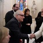 Scorsesét egykor majdnem kitagadta az egyház, most Ferenc pápával találkozott