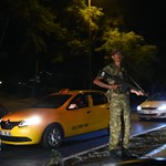 Durvul a török tisztogatás, 1500 dékánt függesztett fel Erdogan
