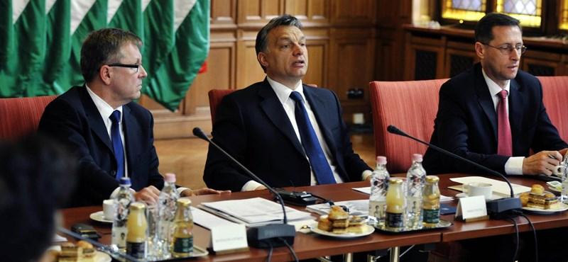 Matolcsy György szerint a recesszió feléről a kormány tehet