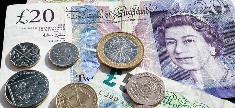 Theresa May vereséget szenvedett, mégis megugrott az angol font