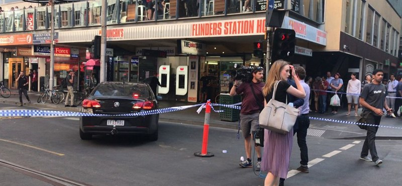 Szándékosan hajtottak a járókelők közé Melbourne-ben
