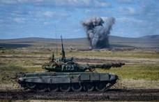 Egyéb ellentételezés nélkül vett tankokat a kormány