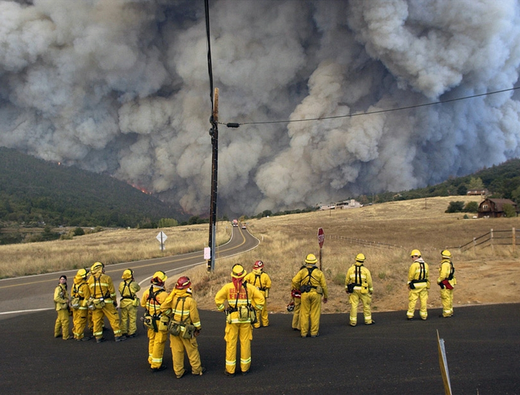 Gigantikus bozóttűz Kaliforniában 2003. október 28-án.